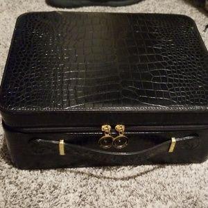 Black snakeskin pattern beauty case
